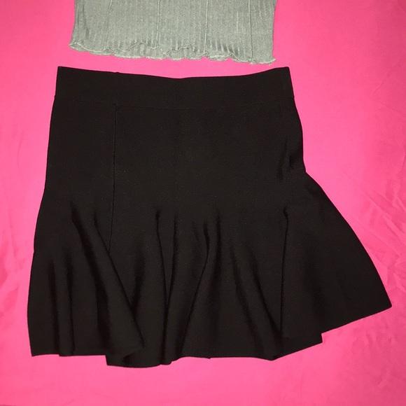 Forever 21 Black Skirt size Small